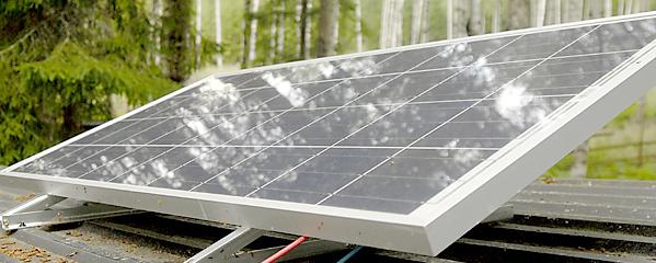 Solceller vid stugan för webb